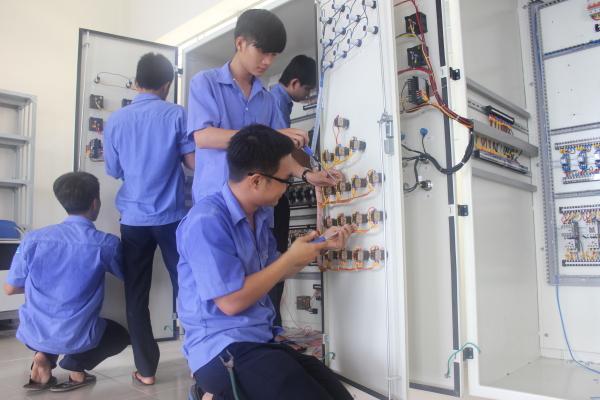 Sửa chữa điện tử công nghiệp