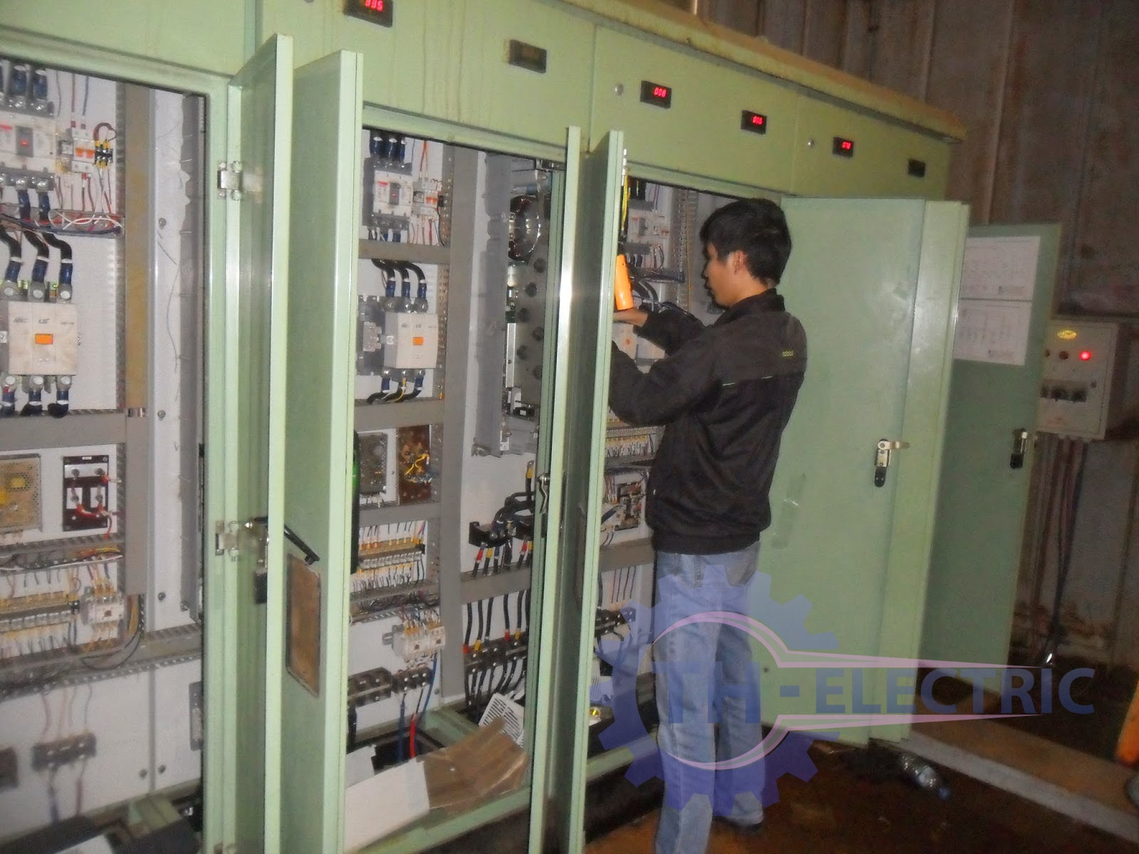 Vai trò của sửa chữa điện công nghiệp. Sửa chữa điện công nghiệp ở đâu uy tín nhất?